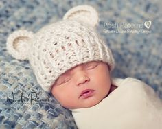This crochet pattern is for a gorgeous and elegant baby bear beanie hat. Includes all sizes from newborn to adult!