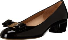 Salvatore Ferragamo Women's Vara Pump, Nero, 39.5 M EU/9.5 M US. 39.5 M EU / 9.5 B(M) US. Nero. Leather.