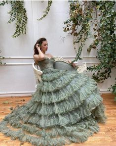 Details - Beig color - Crystal tulle fabric - Long sleeves with v-neck, waist definition and an open leg gown - For special occasions Elegant Dresses, Pretty Dresses, Beautiful Dresses, Dress Dior, Glamouröse Outfits, Fantasy Gowns, Fairytale Dress, Prom Dresses, Formal Dresses