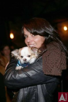 Amanda billing from shortland street She knows how to accesserize with a dog 10 Year Old, I Movie, Chihuahua, Amanda, Product Launch, Street, Dogs, Cute, Animals