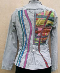 What to do with my old jean jacket. Customised by McAnaraks jacket Recycled Fashion, Recycled Denim, Recycled Clothing, Sewing Clothes, Diy Clothes, Diy Vetement, Denim Ideas, Denim Crafts, Altered Couture