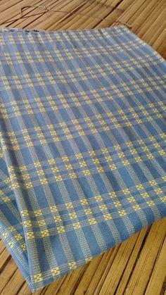 "Baduy Handwoven ""Adu Mancung' Handmade Open Order 4 days Overseas Shipping 100 x 200cm #handwoven #handwovenfabric #adumancung #tenunbaduy #openorder IDR 300.000,-"