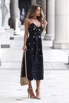 wedding attire guest, wedding guest outfit, wedding guest dresses, midi dress for wedding party Crochet Midi Dress, Lace Midi Dress, Midi Dresses, Formal Dresses, Pretty Dresses, Beautiful Dresses, Beautiful Women, Atmosphere Fashion, Ralph & Russo