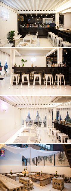 [No.190 립밤] 20평 연남동 블랙앤화이트 와인바 인테리어, black and white winebar interior Black And White Coffee, Black And White Interior, White Interior Design, Bar Interior, Studio Interior, White Restaurant, Cafe Restaurant, Restaurant Design, Japanese Coffee Shop
