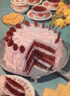 vintage recipes with pictures at DuckDuckGo Retro Recipes, Vintage Recipes, Vintage Food, Pretty Cakes, Cute Cakes, Cute Food, Yummy Food, 70s Food, Dessert Cookbooks
