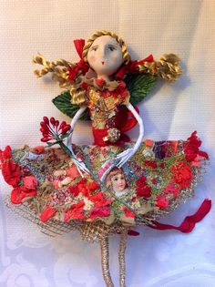 Betty Bib Christmas Doll - check out the method for the skirt