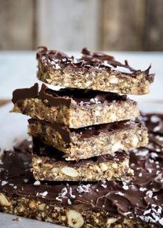 Nøttebar med sjokoladetrekk Culinary Arts, Snacks, Sweet, Desserts, Food, Candy, Tailgate Desserts, Appetizers, Deserts