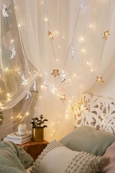 fine 38 Fairy Lights Ideas for Holiday Decorating http://godiygo.com/2017/12/21/38-fairy-lights-ideas-holiday-decorating/