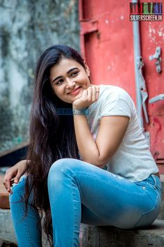 South Actress, South Indian Actress, Beautiful Indian Actress, Beautiful Actresses, Beauty Full Girl, Cute Beauty, Indian Actress Gallery, Photoshoot Pics, Stylish Girl Images