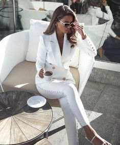 Mom Outfits, Office Outfits, Classy Outfits, Casual Outfits, Summer Outfits, White Outfits, Fashion Moda, Look Fashion, Fashion Outfits