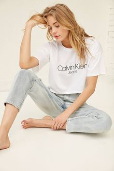 Slide View: 1: Calvin Klein Cropped Tee