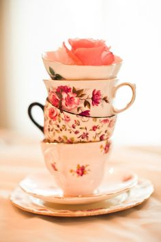 So pretty ~I want a tea set!