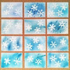 #Schneegestöber im Schulflur (#Spritztechnik mit Zahnbürste und Sieb) und die Gegenstücke am Fenster. #Grundschule #Bastelliebe #Snowstorm in the hallway (#SplatterTechnique: watercolour with toothbrush and siff) and the complementary #snowflakes on the windows. #PrimarySchool #EementarySchool #EatSleepCraftRepeat . . . . . . . . #lehreraufinstagram #InstaLehrer #kinderkunst #kunstunterricht #ideenfürdenkunstunterricht #schneeflocken #zahnbürste #sieb #papierschneeflocken #winterbil...