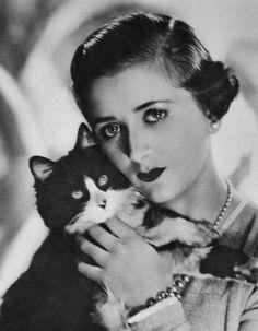 Madame Yevonde, Lady Daphne Finch-Hatton, 1933