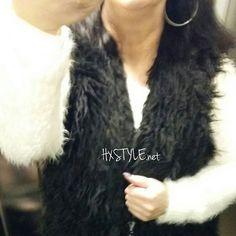 SMILE MySTYLE Here now...SELFIE 💓Turkis LIIVI, FARKUT, Pörröinen NEULE pusero ja kengät. Pukeutuminen Lämpimästi...TYKKÄÄN. Nähdään HYMY #muotiblogi  #muoti #fashion #trending  #fur #vest #jeans #knitting  #mystyle #blog #blogi ☺💡👀📷💓🙋🌞