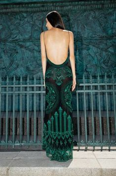 Fashion inspiration beautiful green print style dress open back spaghetti strap Ball Dresses, Ball Gowns, Prom Dresses, Formal Dresses, Wedding Dresses, Couture Mode, Couture Fashion, Beautiful Gowns, Beautiful Outfits