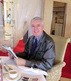 "Peter Broell beim Frühstück im Restaurant ""Les Roses"" in Mondorf-les-Bains, Luxembourg."