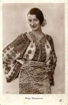 Miss Romania 1931 French postcard for the Miss Europe 1931 pageant. Romania's representative was Tanti Vuroseanu. Traditional Dresses, Traditional Art, Folk Costume, Costumes, Folk Embroidery, 1930s Fashion, Folk Fashion, Fashion History, Vintage Outfits