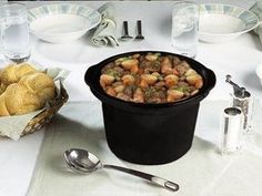 Slow-cooked Christmas meats earn a lot - wood crafts Slow Cooker Recipes, Crockpot Recipes, Recetas Crock Pot, Christmas Meat, Slow Food, Easy Cooking, Catering, Food And Drink, Meals