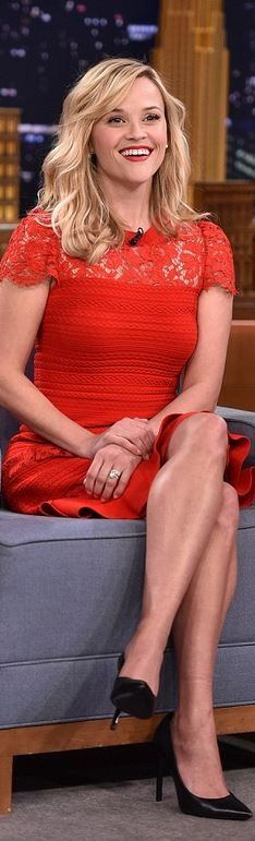 Who made  Reese Witherspoon's red cap sleeve dress and black pumps?