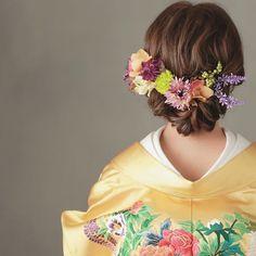 • • • hair arrange • シニヨンも 一工夫すると とってもおしゃれ • #プレ花嫁 #ヘアメイク #大阪花嫁 #wedding #hairarrange #ヘアアレンジ #ヘッドアクセ#サロモ #신부#和装ヘア #ウェディングフォト #hairstyle #ヘアスタイル #着物#和装#色打掛 #ウェディングニュース #アップスタイル #日本中のプレ花嫁さんと繋がりたい #ヘッドアクセ #綺麗 #marry花嫁#花嫁#新娘 #おしゃれ #サロンモデル#着付け #結婚#2017春婚 #結婚式準備#2016冬婚