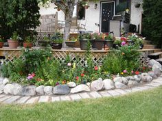 Flower Bed Along Fence Amp Staggered Instead Of Boring Usual