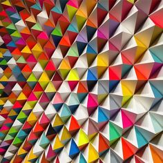 SanFrancisco-based artist @sean_newport found a way to transfer his carpentry skills into his art He manipulates wood into 3D shapes, paints them, then arranges them to create colorful, geometrical sculptures like this one
