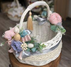 Trendy diy paper basket easter gifts for teachers Diy Baby Gate, Sewing Baskets, Easter Crafts For Kids, Easter Gift, Flower Girl Basket, Paper Basket, Basket Decoration, Easter Baskets, Gift Baskets