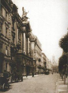 Ulica Czackiego w kierunku Placu Saskiego. Widoczna wieża Soboru Aleksandra Newskiego Fot. Warszawa Przedwojenna
