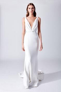18 Apr 2020 - The complete Oscar de la Renta Bridal Spring 2019 fashion show now on Vogue Runway. Wedding Dress Necklines, V Neck Wedding Dress, Wedding Dress Trends, Bridal Dresses, Wedding Ideas, Gift Wedding, Trendy Wedding, Wedding Things, Wedding Cake