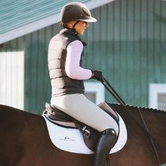 Why do you think is it essential to consider the proper suggestions in acquiring the equestrian boots to be utilized with or without any horseback riding competitors? Equestrian Boots, Equestrian Outfits, Equestrian Style, Equestrian Fashion, Riding Hats, Horse Riding, Riding Helmets, Estilo Preppy, Riding Breeches
