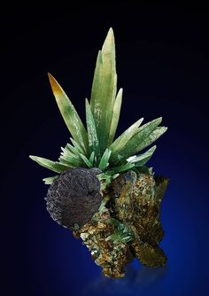 One of the most beautiful olive-green colored Prase Quartzes with Hematite on matrix that have ever been found in Serifos, Greece, with cm ~ photo: Mineraux de Musée. Minerals And Gemstones, Rocks And Minerals, Natural Crystals, Stones And Crystals, Gem Stones, Beautiful Rocks, Mineral Stone, Rocks And Gems, Belleza Natural