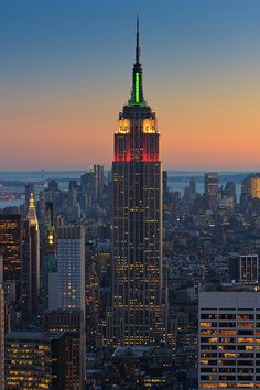 ✮ Sunset view from Top of the Rock, Rockefeller Plaza to the Empire State Building, New York City