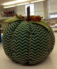 DIY Tutorial: DIY Pumpkins Crafts / DIY Fabric Pumpkins - Bead&Cord - [this fabric is killer! Spooky Decor, Diy Halloween Decorations, Halloween Diy, Fall Decorations, Halloween Designs, Halloween Pumpkins, Seasonal Decor, Fall Projects, Diy Craft Projects