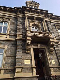 http://www.eyeem.com/p/45945465 #bernkastelkues #architecture #stramamax #bluesky