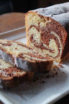 Ein Traum von einem Marmorkuchen | Back-Schmakatzen Chocolate Brownies, Chocolate Chip Cookies, Lenotre, Household Cleaning Tips, Cleaning Hacks, Marble Cake, No Bake Cake, Dessert Recipes, Cake Recipes