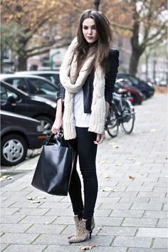 loving the chunky scarf