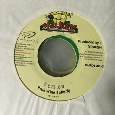 "Another jam from the #90s with Stranger and Dave Kelly on production. MadHouse 7"" #vinyl #bside #riddim #version #instrumental Bruk Wine Butterfly #90sdancehall #reggae #dancehall #soca #turntable #turntablism #portablist #podcast #historyofmusic #history #newchatmixtapes #rave #edm #radio #broadcast #vinyladdict #vinyligclub #vinyljunkie by petebodegavinyl http://ift.tt/1HNGVsC"