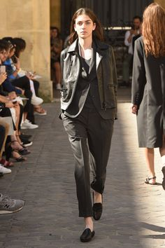 See the complete Officine Generale Spring 2018 Ready-to-Wear  collection.