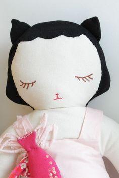 Grande poupée chat boramiri