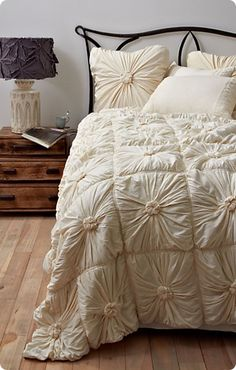 Knot Your Ordinary Duvet Cover - use buttons under fabric for knots
