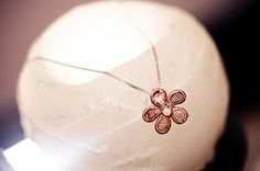 Wire Art Jewellery: Flower pendant made with fine copper wire by Sarah Jansma Jewelry Art, Jewellery, Delicate Jewelry, Wire Art, Flower Pendant, Copper Wire, Jewelry Making, Butterfly, Blue