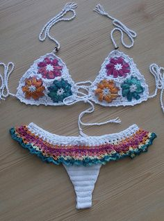 Ideas Crochet Gifts For Him Sons Crochet Bra, Crochet Baby Cardigan, Crochet Halter Tops, Crochet Bikini Top, Crochet Woman, Crochet Gifts, Crochet Bathing Suits, Floral Bikini, Beach Wear
