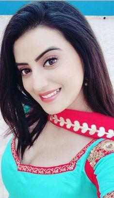 Bhojpuri actress image bhojpuri heroine photo wallpapers for whatsapp dp Beautiful Girl Indian, Most Beautiful Indian Actress, Beautiful Girl Image, Cute Beauty, Beauty Full Girl, Beauty Women, Stylish Girl Images, Stylish Girl Pic, Pakistani Bridal Makeup