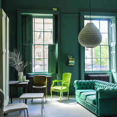 [CasaGiardino] ♛ Farrow & Ball's new spring palette runs the gamut from a romantic, blushing pink to a clean, fresh green Living Room Green, Green Rooms, New Living Room, Living Room Interior, Farrow Ball, Green Home Decor, Front Rooms, Room Colors, Living Room Ideas