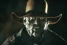 The Jeepers Creepers films occupy a weird place in horror movie history. They've been reliably scary and have had solid box office, but they've also been Scary Movie Characters, Scary Movies, Fun Movies, Jeep Cherokee, Jeepers Creepers 3, Nightmare Movie, Creeper Costume, Best Horror Movies, Arte Horror