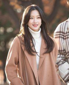 Kpop Fashion Outfits, Korean Outfits, Korean Actresses, Korean Actors, Korean Dramas, Instyle Magazine, Cosmopolitan Magazine, Soo Jin, Korean Celebrities