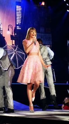 Party Like It's 1989 - Taylor Swift 1989 Tour Review