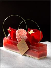 Emmanuel Ryon, pastry and ice cream chef, is the Chef Patissier of the Pouchkine restaurants and cafés in Moscow, Paris and New York. Elegant Desserts, Beautiful Desserts, Fancy Desserts, Light Desserts, Beaux Desserts, French Patisserie, Patisserie Paris, Pastry Art, French Pastries