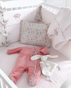 Ropa cunita bebe http://www.mamidecora.com/textil.cyrillus.html
